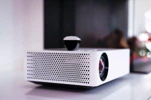 projector-vs-tv