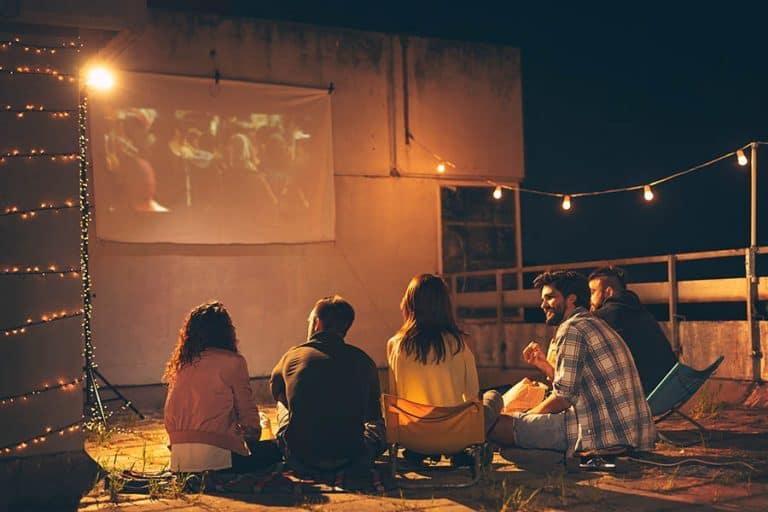 watch-tv-projector