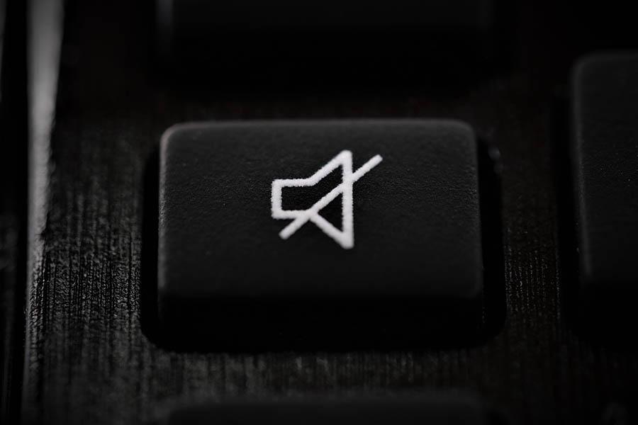 mute-laptop
